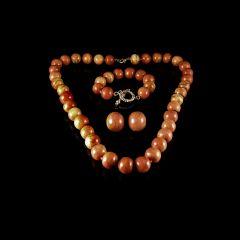 Vintage 18KT Gold Apple Sponge Coral Bead Jewellery Set